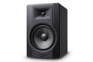 m-audio-bx8-d3-angle-right