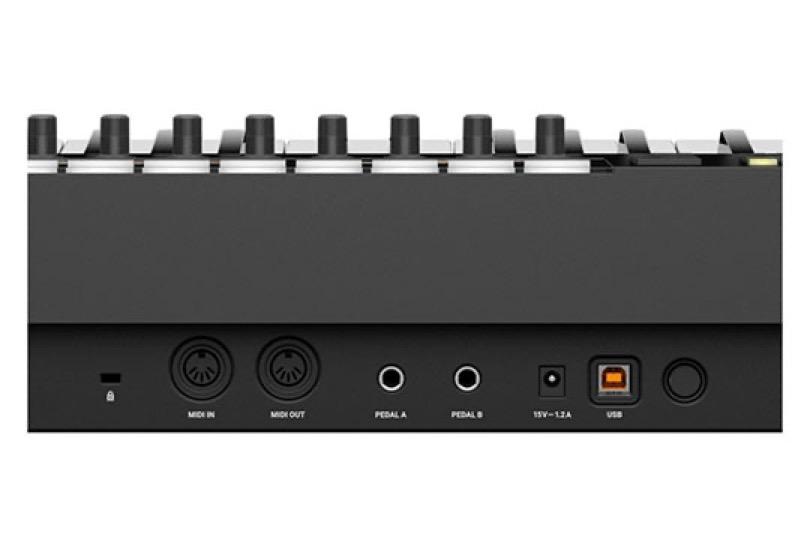 native-instruments-komplete-kontrol-s88-mk2-rear