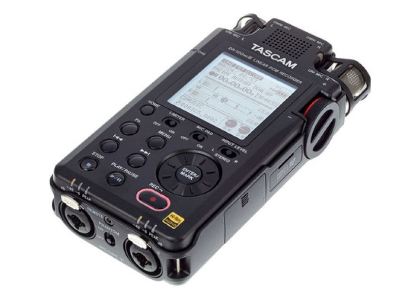 Tascam Dr 100mkiii Horizontal Angle Right